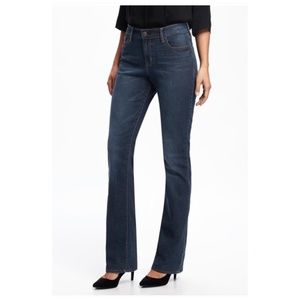Old Navy The Sweetheart Bootcut Jeans 8 Short